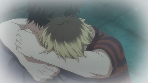 抱きしめ合う玄純と柊
